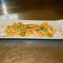 cortecce-gamberi-pomodirino-giallo-pesto1